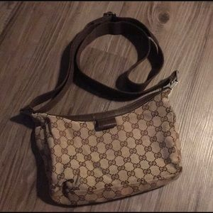 Vintage 90's Authentic Gucci crossbody